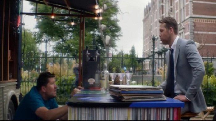 Sinopsis The Hitmans Bodyguard Bioskop Trans TV Jam 21.30 WB Aksi Ryan Reynolds Lawan Penjahat Kejam
