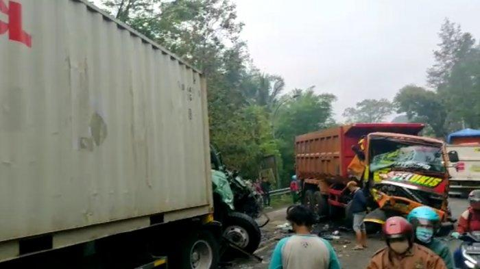 Kecelakaan Maut di Jambu Kab Semarang, Truk Kontainer Hantam Dump Truk, Tewaskan Pengendara Motor