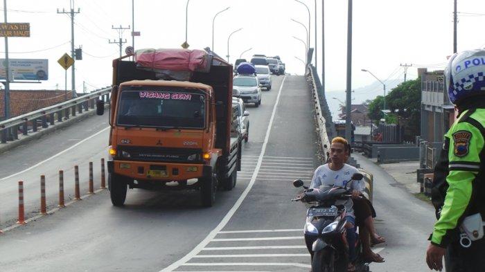 Terjadi lagi! Kecelakaan Maut di Flyover Kretek Brebes, 3 Orang Meninggal Dunia