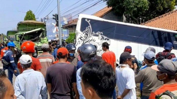 Innalillahi Wa Innailaihi Rojiun, 1 Orang Tewas Kecelakaan Karambol Truk di Cilacap: Duga Rem Blong