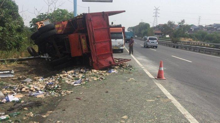 UPDATE: Truk Pengkut Bir Yang Terguling di Tol Tandang Semaalam, Pagi Ini  Ditabrak Truk Pasir