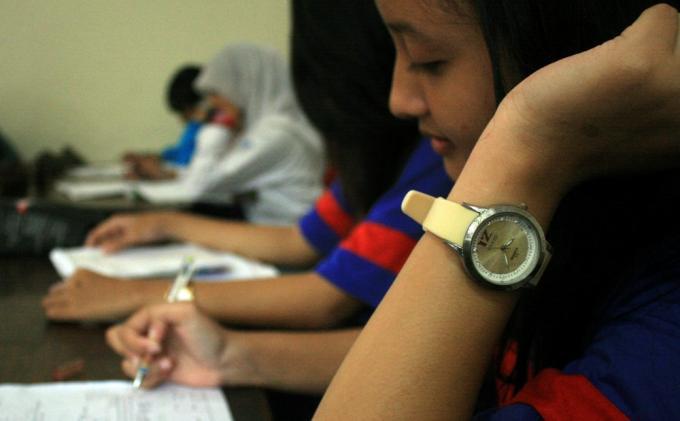Bocorkan Soal Matematika ASPD ke Siswa, Kepsek dan Guru SMP di Sleman Diberhentikan