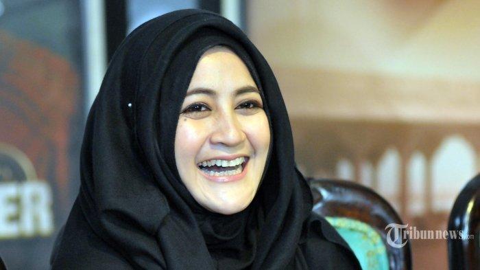 Inilah Sosok Istri Kedua dan Ketiga Almarhum Ustaz JefriAlBuchori Uje Saat Ditemui Umi Pipik