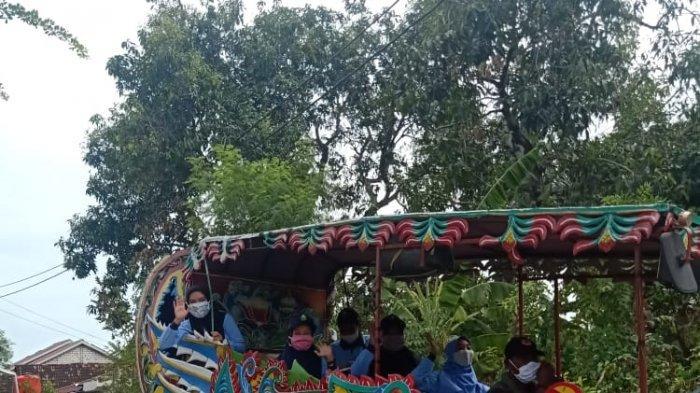 Unik, Sosialisasi Covid-19 Mahasiswa KKN UIN Walisongo Menggunakan Odong-odong