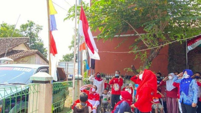 HUT RI ke-76, Kaum Difabel di Kabupaten Tegal Antusias Laksanakan Upacara Bendera