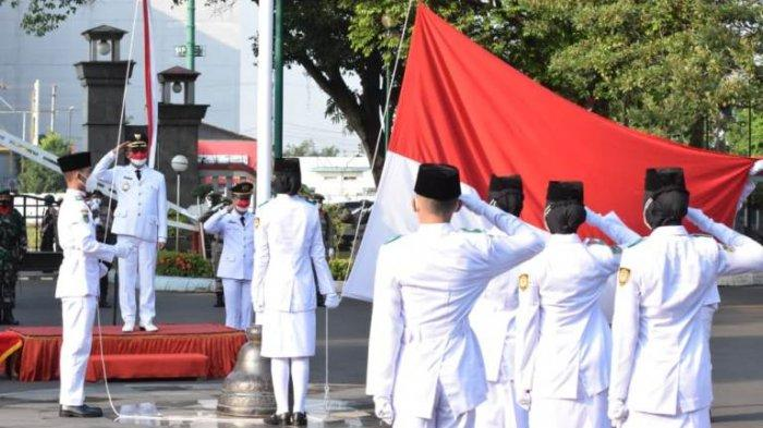 Pimpin Upacara HUT ke-76 Kemerdekaan RI, Bupati Husein Sampaikan Apresiasi kepada Tenaga Medis