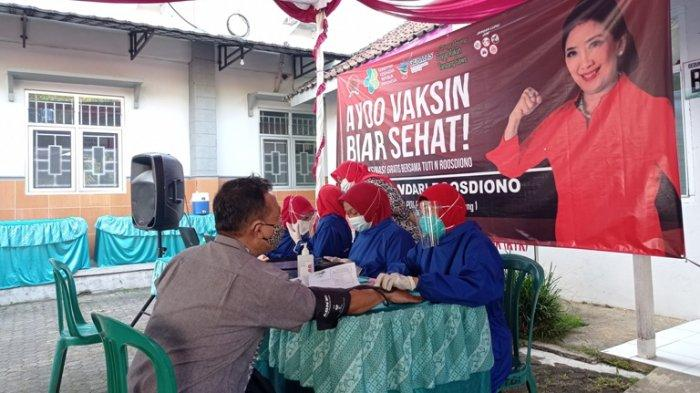 Dukung Program Presiden Jokowi, Anggota DPR RI Tuti Roosdiono Buka Gerai Vaksinasi Gratis