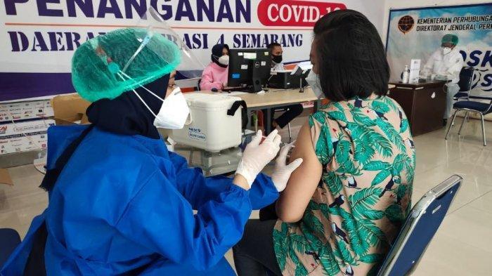 PT Kereta Api Indonesia Siapkan Vaksinasi di Setiap Stasiun