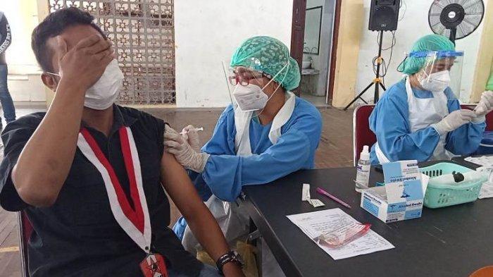 GMNI Bersama Polresta Solo Lakukan Serbuan Vaksinasi Mahassiwa Guna Percepatan Herd Immunity