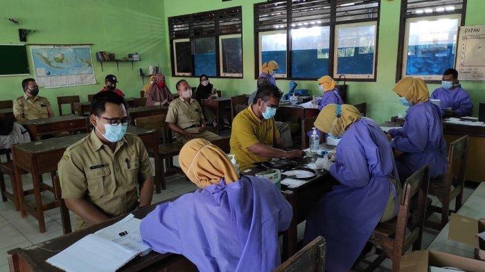 1.649 Guru dan Tenaga Kependidikan Kendal Jalani Vaksinasi Covid-19