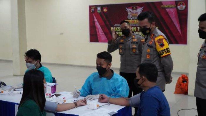 Polres Semarang Gelar Jalur Gesid Vaksinasi In The Night di Alun Alun Bung Karno