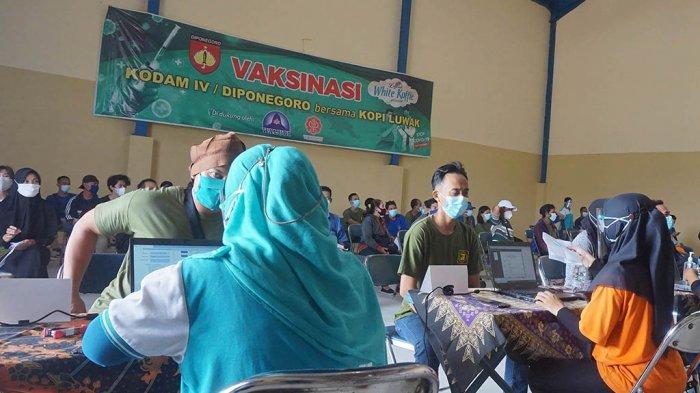 PT Java Prima Abadi Vaksinasi Keluarga Besar Karyawan Luwak White Koffie dan Luwak Hitam