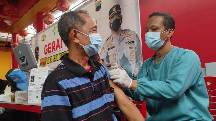 Vaksinasi Massal di Purbalingga Menyasar Masyarakat Thionghoa di Klenteng Hok Tek Bio