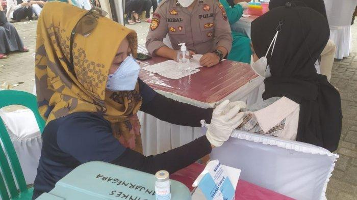 Vaksinasi Massal Diklaim Sumbang Penurunan Kasus Covid-19 di Banjarnegara