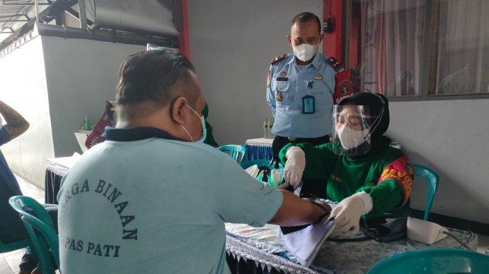 Ratusan Napi Lapas Pati Divaksin, 30 Orang Gagal: Punya Riwayat Penyakit Jantung dan Stroke