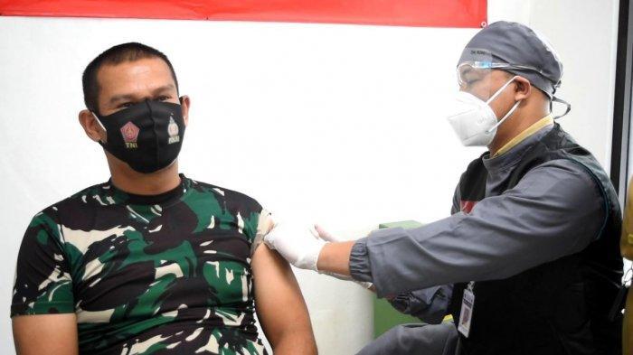 900 Nakes RSUD Kebumen Terima Vaksin, Langsung Diberi Sertifikat