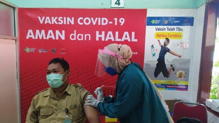 DKK Karanganyar Terima 3.200 Dosis untuk Vaksinasi Kedua Lansia dan Petugas Pelayan Publik