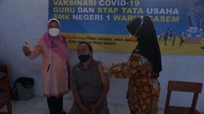 Bersiap Pembelajaran Tatap Muka, 87 Guru dan Staf SMK Negeri 1 Warungasem Batang Divaksin