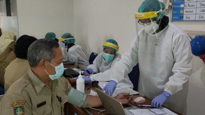Vaksin AstraZeneca Baru Tiba di Indonesia, Apa Bedanya dengan Vaksin Sinovac? Mana Lebih Ampuh?