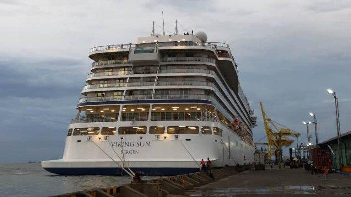 Kapal Pesiar Viking Sun Akhirnya Sandar di Pelabuhan Tanjung Emas Semarang