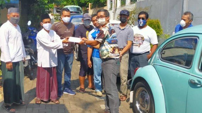 Volkswagen Semarang Club Gelar Bakti Sosial di Ponpes Al Huda Petompon