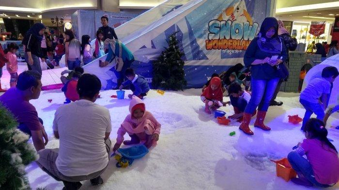 Libur Panjang Akhir Tahun, Serunya Bermain Salju di Snow Wonderland Hartono Mall Solo Baru Sukoharjo