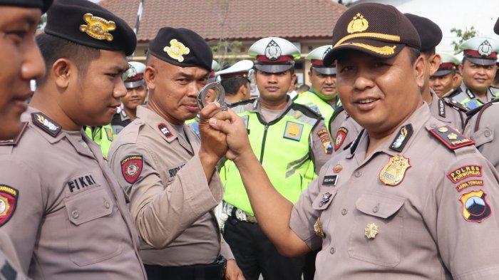 Kompol Andis Inspeksi Mendadak Anggota Polres Purworejo Setelah Apel Pagi, Ini Tujuannya
