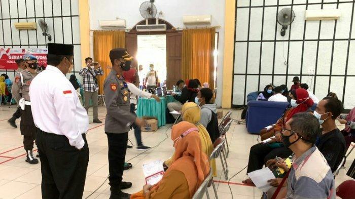 Percepatan Vaksinasi Covid-19 Terus Digencarkan, Warga Datangi Yaumi Centre Slawi Kabupaten Tegal