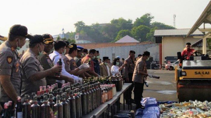 Narkotika Jenis Sabu, Ekstasi hingga Ribuan Botol Miras Dimusnahkan di Polrestabes Semarang