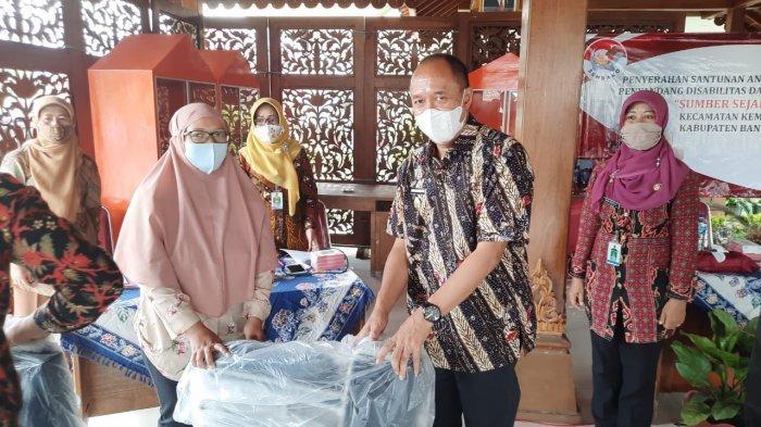 Wakil Bupati Banyumas Serahkan Santunan Kepada Anak Yatim dan Penyandang Disabilitas
