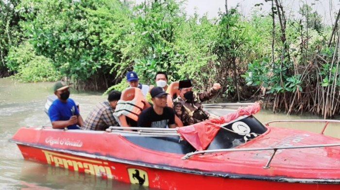 Warga Desa Kalirejo Kendal Menanam Bakau di Dusun Kalibalik, Kembangkan Potensi Wisata Bahari