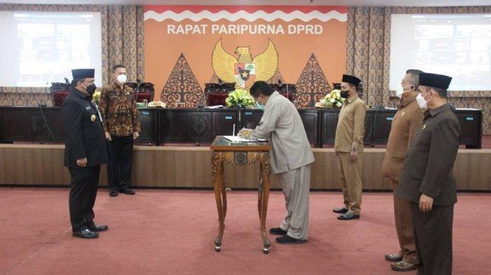 Wabup Windu Suko Basuki Sampaikan Sambutan Bupati Dico di Rapat Paripurna DPRD Kendal