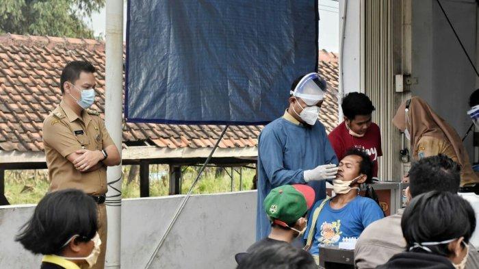 Puluhan Warga Pelanggar Prokes di Tarub Kabupaten Tegal Langsung Dites Swab Antigen