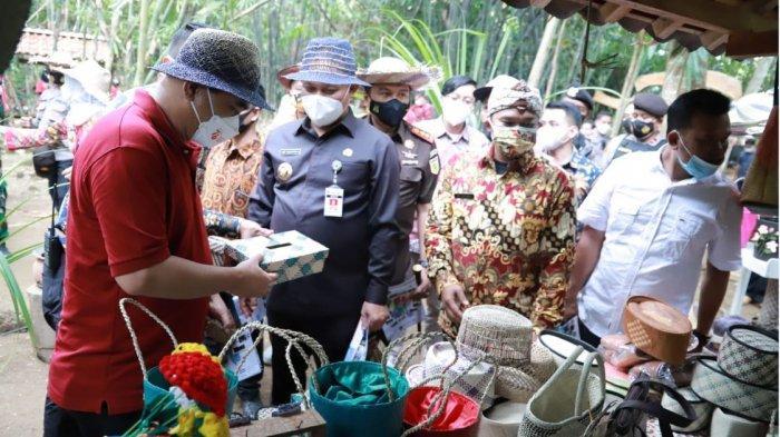 Wakil Menteri Desa Budi Arie Apresiasi Serapan Vaksinasi di Kebumen Tertinggi di Jateng