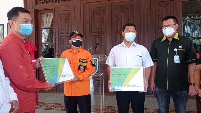 112 Relawan Covid-19 di Salatiga Terima Bantuan Program BPU BP Jamsostek