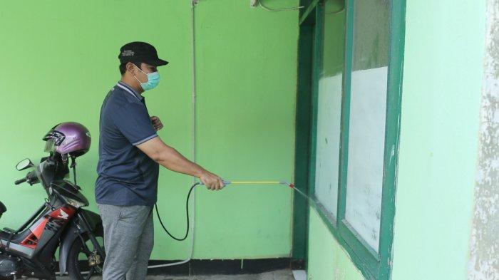 Seluruh Tempat Pemungutan Suara di Kota Semarang Disemprot Disinfektan