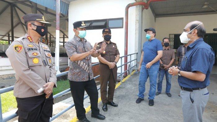 Sidak Pabrik di Semarang, Hendi Minta Karyawan WFH Tetap Digaji