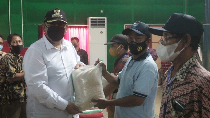 5.870 Nelayan di Kota Tegal Dapat Bantuan Beras Paceklik