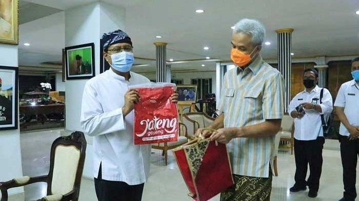 Gus Ipul Temui Ganjar, Pelajari Payung Raksasa di Masjid Agung Jawa Tengah