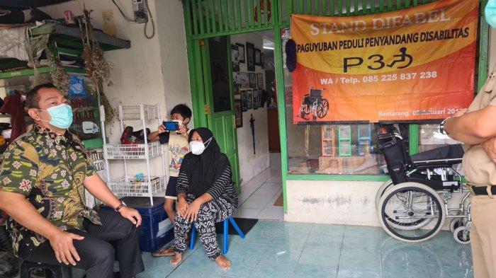 Hendi Serahkan Kursi Roda Ke Paguyuban Peduli Penyandang Disabilitas Semarang
