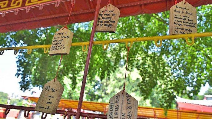 Serunya Menuliskan Harapan di Wall of Hope Wisata Sam Poo Kong