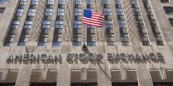 Kasus Corona di AS Terus Melonjak, Apa Kabar Wall Street?