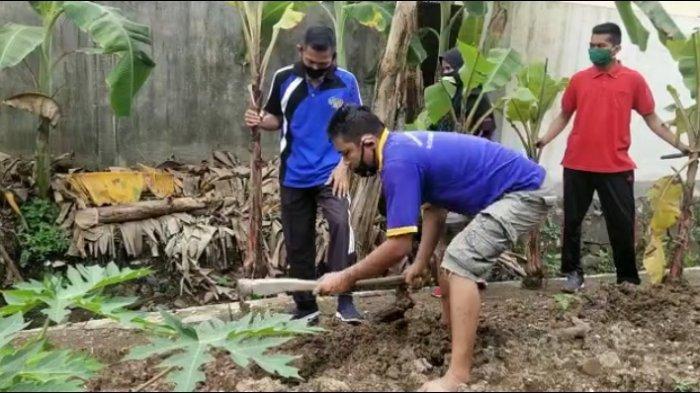 Warga Binaan Rutan Banyumas Tanam 200 Pohon Pisang Ulin