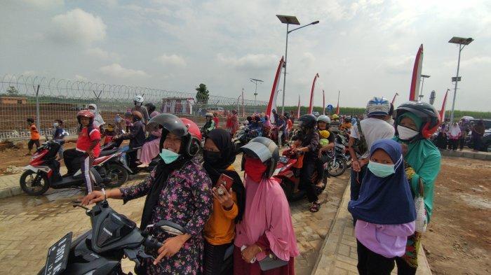 Warga Purbalingga Ingin Bertemu Jokowi di Bandara Soedirman, Berangkat Pagi dan Terobos Sawah