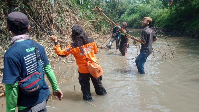 Bersih-bersih DAS Beringin Semarang Cegah Banjir Bandang