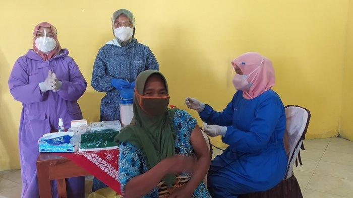 Hotline Semarang : Pelayanan Sentra Vaksin Unnes Menunggu Logistik Vaksin