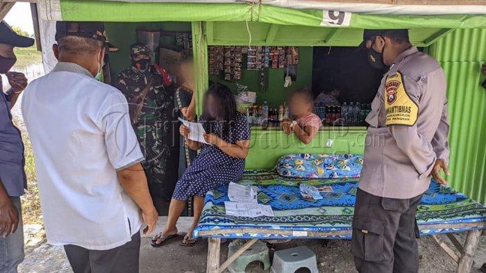 Para Pria Rela Antre Beli Kopi Rp 100 Ribu di Warung, Minumnya di Kamar Bareng PSK Pantura
