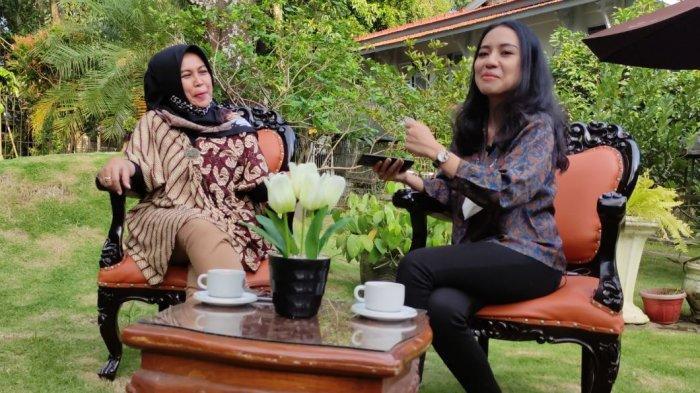 Mengenal Erna Husein, Sosok Wanita di Balik Kesuksesan Bupati Banyumas