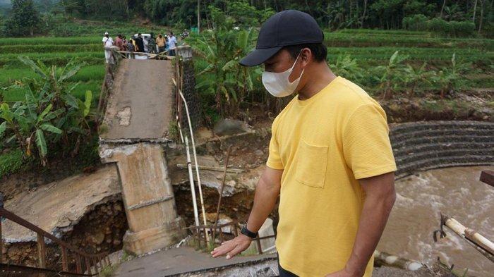 Bupati Wihaji Segera Perbaiki Jembatan Kali Petung Batang