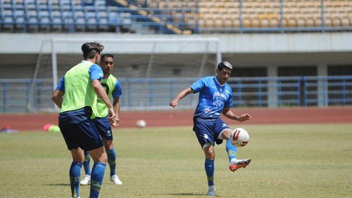 Jelang Liga 1 2020 Mulai, Para Penyerang Persib Bandung Jalani Latihan Ekstra Asah Ketajaman